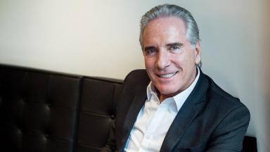 Roberto Justus sorrindo