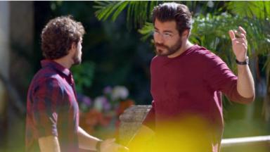 Rafael Cardoso e Thiago Lacerda em cena da novela A Vida da Gente, em reprise na Globo