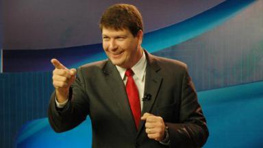 Rodrigo Pagliani apontando o dedo