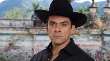 Jorge Salinas é Rogério