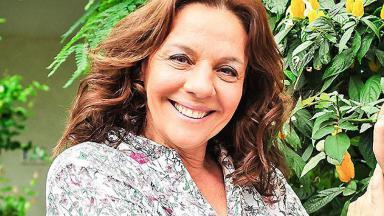Rosi Campos sofre acidente e terá que ficar de repouso em casa