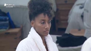 Sabrina Paiva recebeu conselho de Viny Vieira sobre Thayse Teixeira no reality show A Fazenda 2019