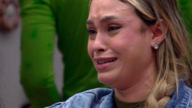 Sarah chorando após a formação do paredão no BBB21