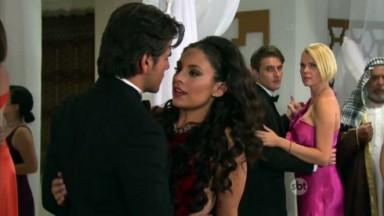 Cena de Coração Indomável com Otávio e Maricruz dançando