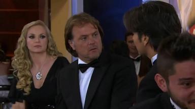 Cena de Coração Indomável com Miguel olhando para Otávio