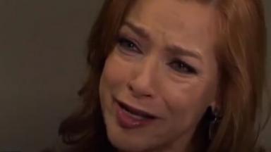Paula chorando