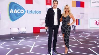 Celso Portiolli e Eliana no palco do Teleton 2021