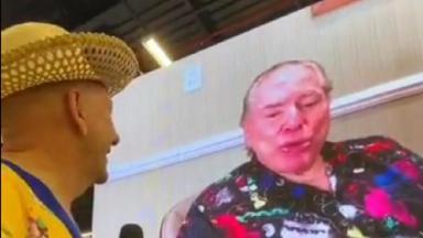 Luciano Hang vendo vídeo do Silvio Santos