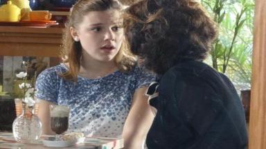Sofia encara Vitória com medo