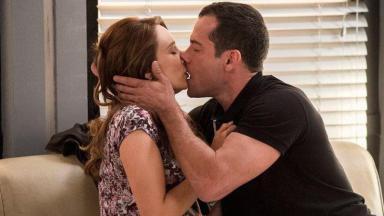 Apole e Tancinha se beijando