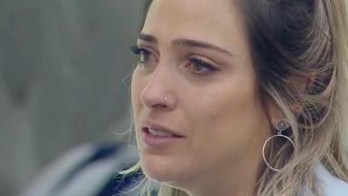 """Tati Dias não gostou da função delegada por Bifão em """"A Fazenda 11"""" e caiu no choro"""
