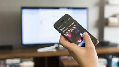 Celular e televisão