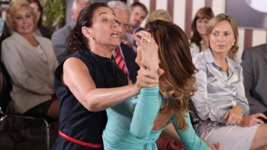 Tereza Cristina e Griselda brigando