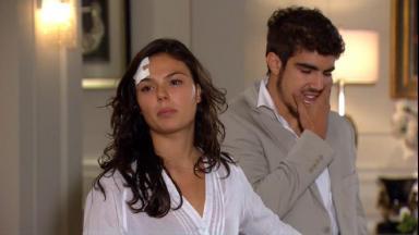 Cena de Ti Ti Ti com Marcela brava e Edgar com a mão no rosto
