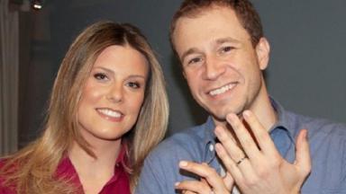 Tiago Leifert e sua esposa