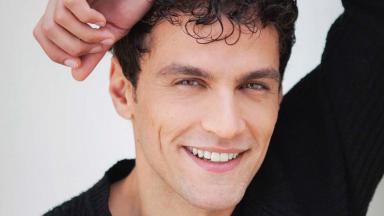 Tiago Marques sorrindo