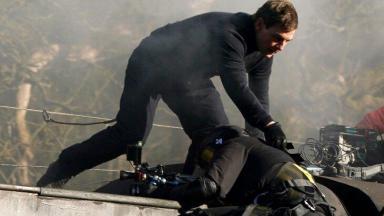Tom Cruise salvando cinegrafista