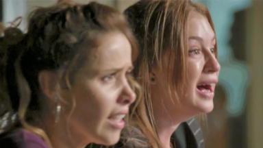 Eliza e Gilda desesperadas e chorando em Totalmente Demais