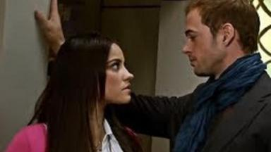 Cena de Triunfo do Amor com Max olhando para Maria