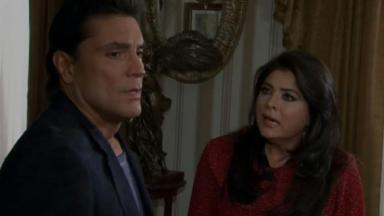 Cena de Triunfo do Amor com Osvaldo e Vitoria conversando seriamente
