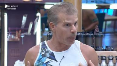 Túlio Maravilha pediu para os peões esqueceram passado dele no reality show A Fazenda 11