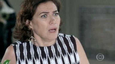 Marta faz cara de espanto em cena de Império