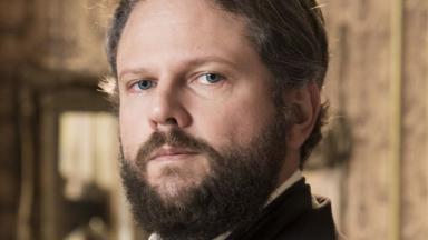 Dom Pedro II em foto posada