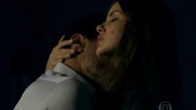 Alex e Angel abraçados