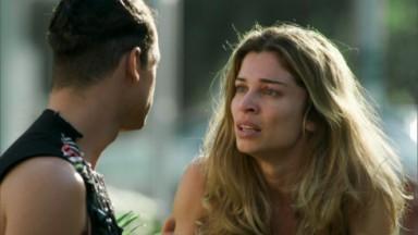 Larissa com olhar de desespero para Visky