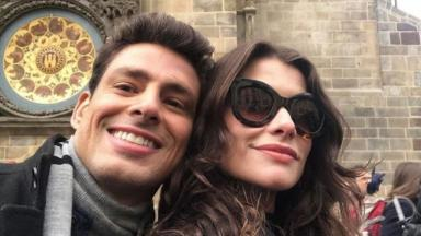 Cauã Reymond e Alinne Moraes em set de Um Lugar ao Sol