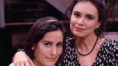 A imagem mostra Maria de Fátima e Raquel, personagens de Vale Tudo