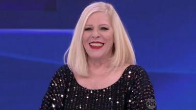 A cantora Vanusa no Programa Silvio Santos, em 2016