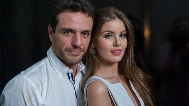 Rodrigo Lombardi e Camila Queiroz