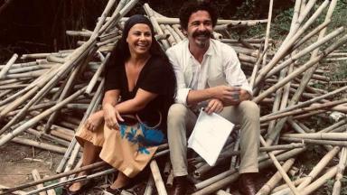 Viviano Araújo e Marcelo Gonçalves sorrindo na gravação do filme Recomeçar