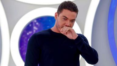 Wesley Safadão no programa Eliana chorando