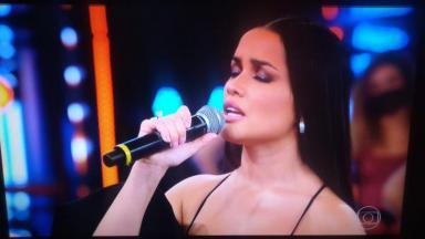 Juliette canta no Domingão do Faustão