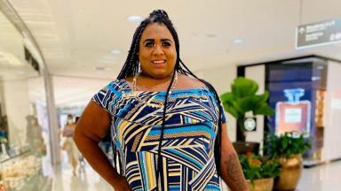 Ygona Moura posada para foto