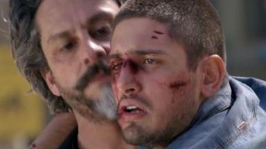 João Lucas todo machucado se apoia em José Alfredo