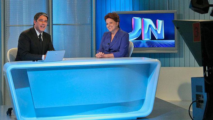 Em 2010, sendo gerado da Globo Brasília, para entrevistar Dilma Rousseff