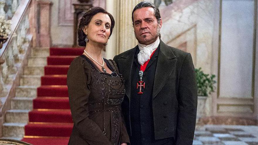 Narcisa é a esposa de José Bonifácio.