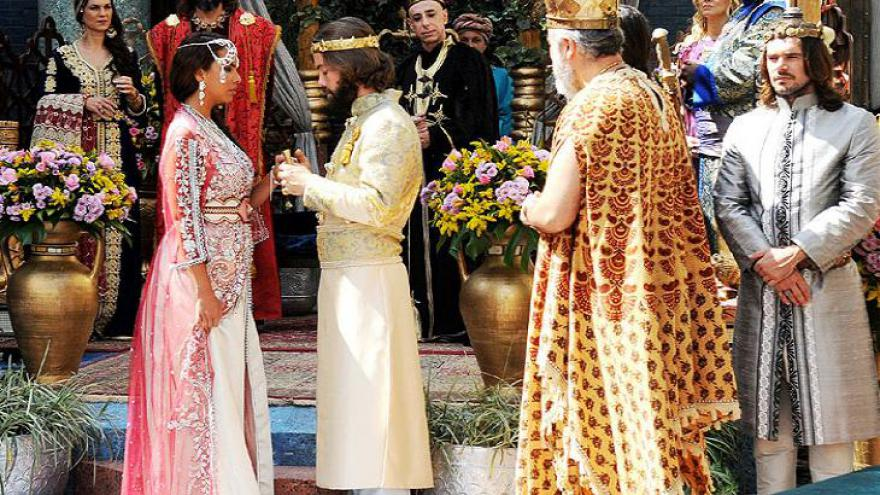 Evil-Merodaque desmaia no casamento com Shamiran