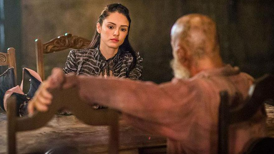 Em encontro com Fred, Anna pergunta como seu pai morreu