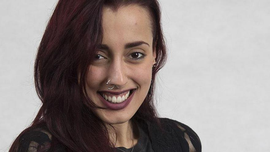 Adeline  - Professora de canto