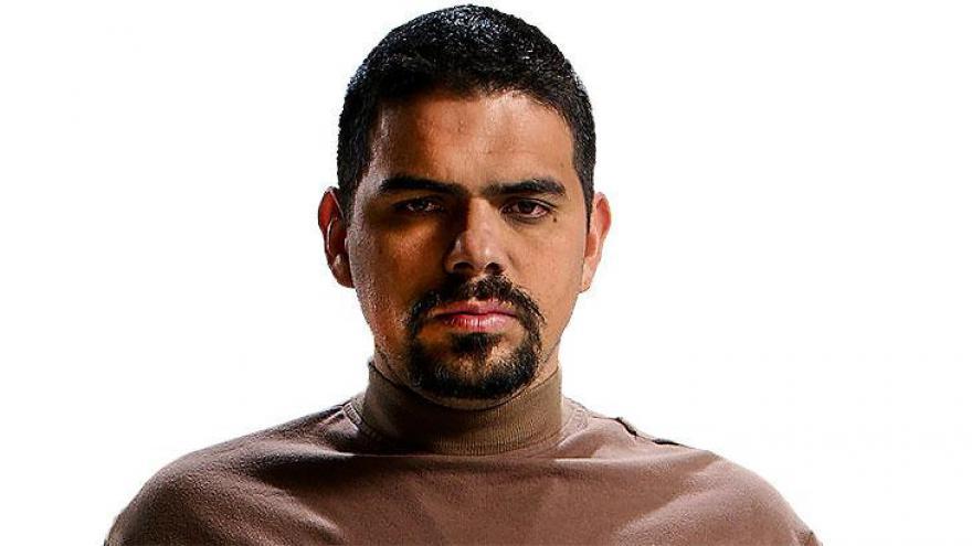 Alejandro Aguilar como Toño é o principal assassino de Joaquín.