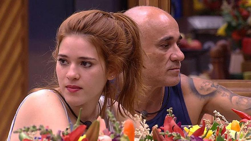 Ana Clara agradece elogio deKaysar