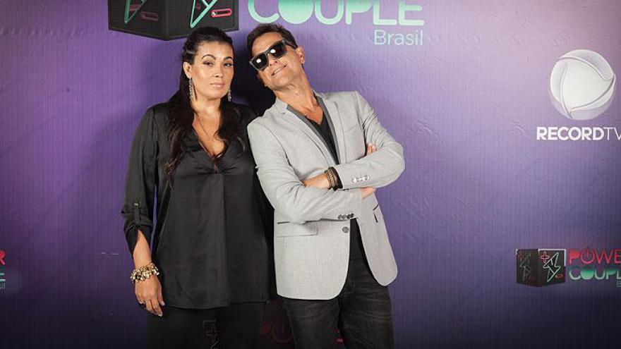 Sylvinho Blau Blau (cantor e ex-Fazenda) e Ana Paula