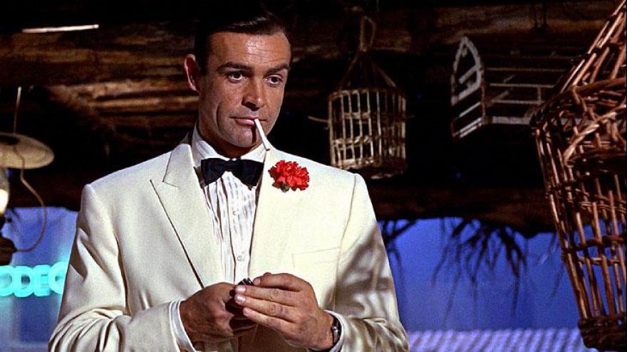 Sir Thomas Sean Connery é um renomado ator britânico, nascido na Escócia. Também fez 007.