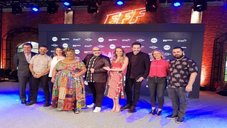Famílias Frente a Frente é um reality gastronomico, apresentado por Tiago Abravanel