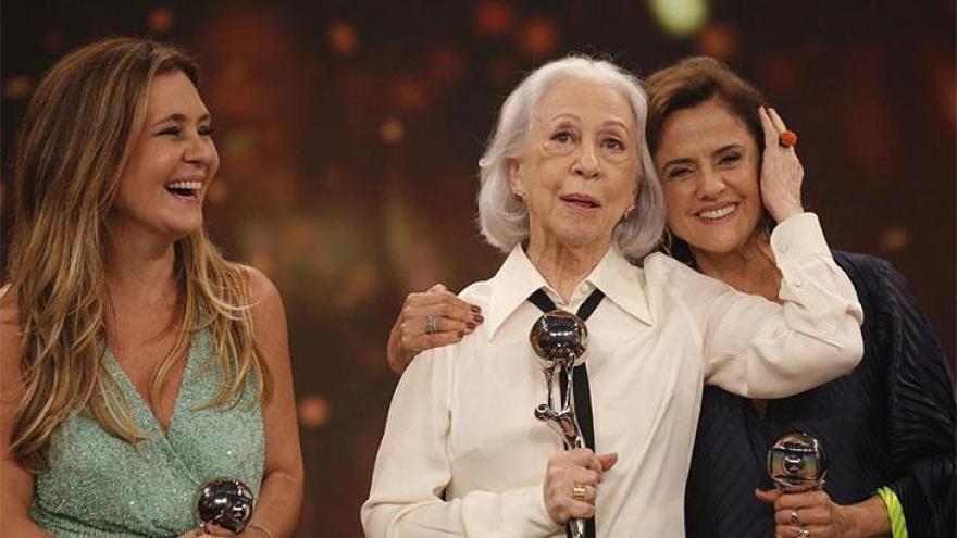 Categoria especial: Adriana Esteves, Marieta Severo e Fernanda Montenegro