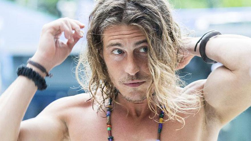 Conhecido como Tarzan na Itália, Alberto Mezzetti chegou à casa do BBB19 hoje de tarde. O visitante, que venceu o